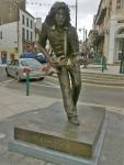 Legendary statue rocks into Belfast